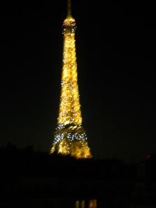 Utsikt från hotellrummet, natt