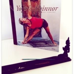 """""""Yoga för kvinnor"""" Karin Björkegren"""