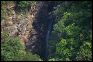Regnskogsliknande natur och vattenfall, Lantau Island